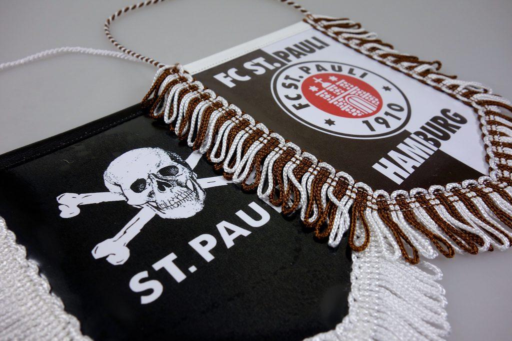 St. Pauli Wimpel in Berlin kaufen