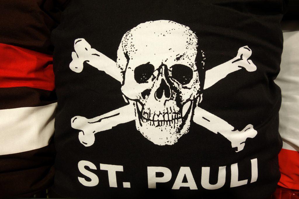 St. Pauli Kissen in Berlin kaufen