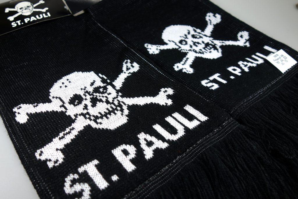 St. Pauli Schal in Berlin kaufen