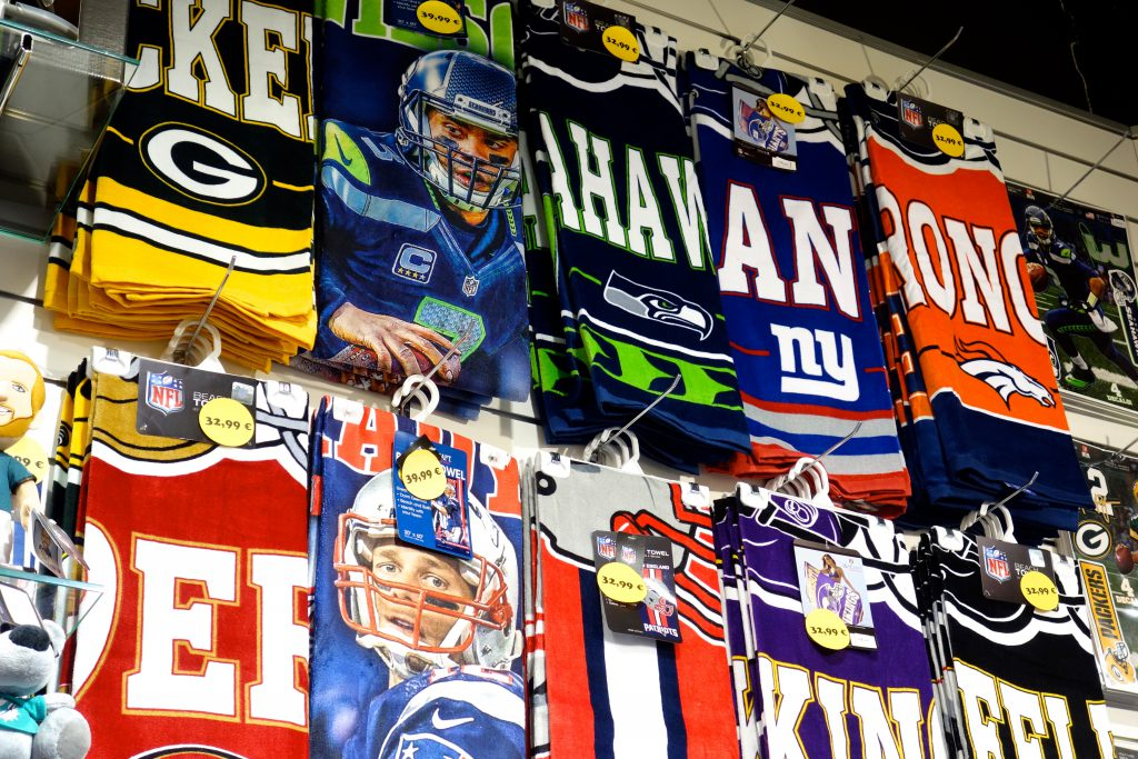 NFL Football duschtuch handtuch strandtuch Towel in Berlin kaufen