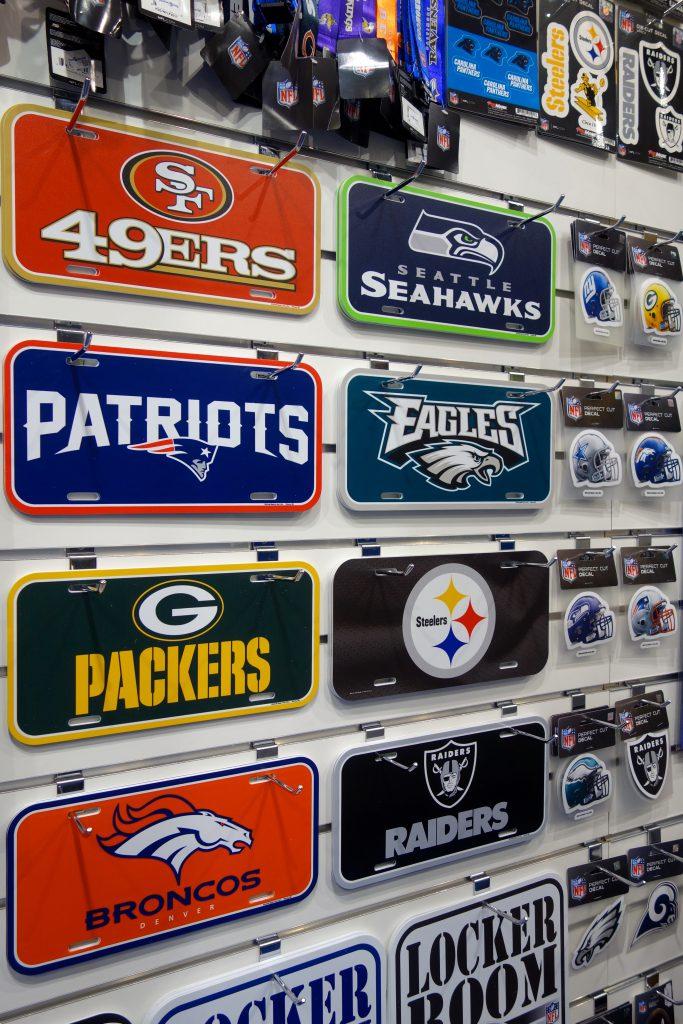 NFL Football Team Blechschilder in Berlin kaufen